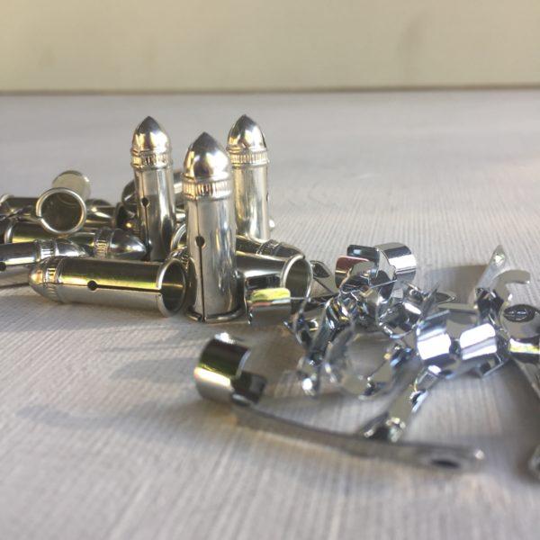 capuchón y clip metálico